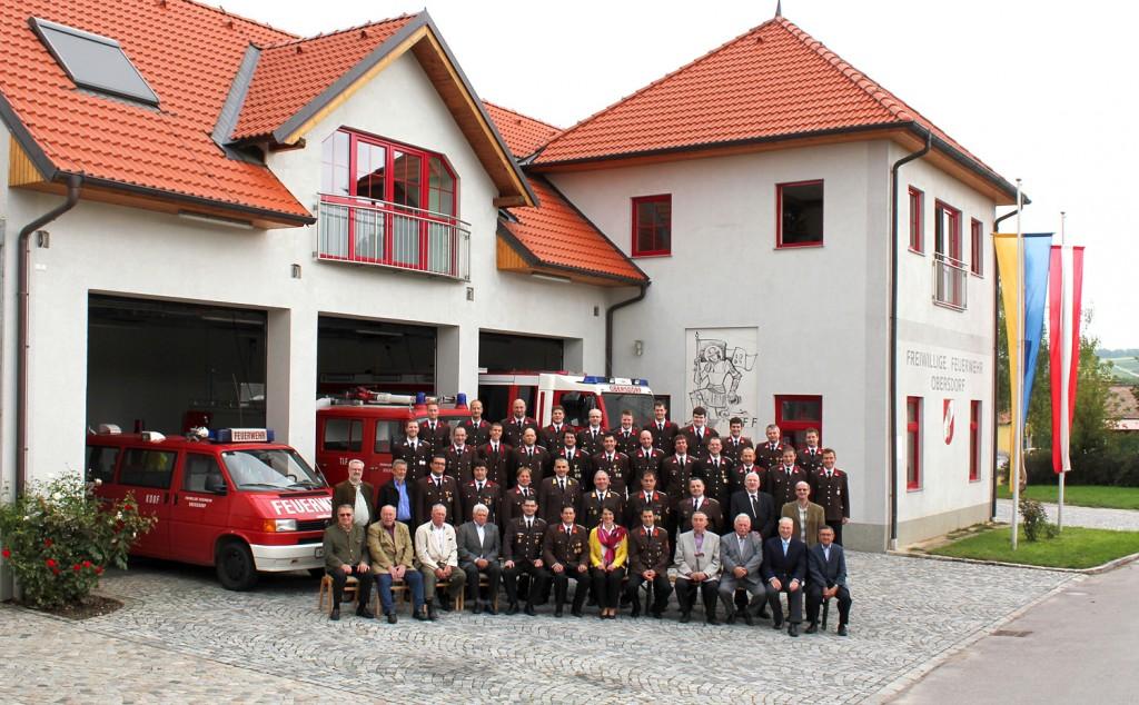 Ehrengäste und Mannschaft der Freiwilligen Feuerwehr Obersdorf zum 125-jährigen Jubiläum, 2014