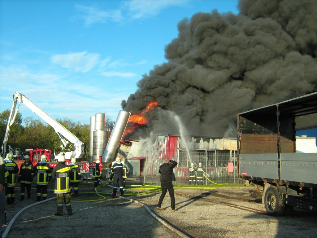 Brand im Gewerbegebiet Deutsch Wagram (2011)